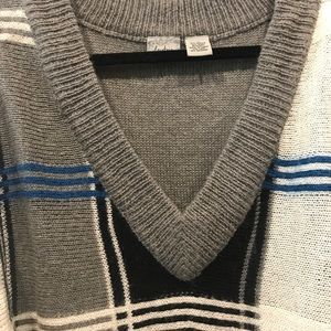 Buckle Sweaters - Buckle Day Trip V-neck Sweater